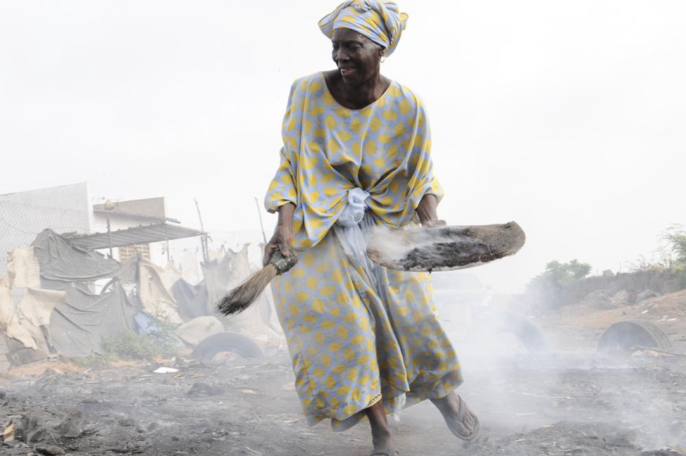 Danser sur des charbons ardents, Camberene, Sénégal 2013