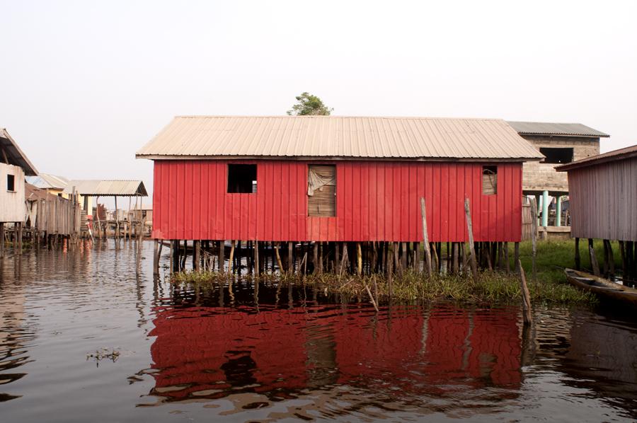 Maison rouge, Ganvié 2013