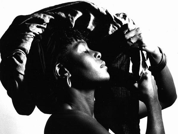 Jeune fille au turban , 1995