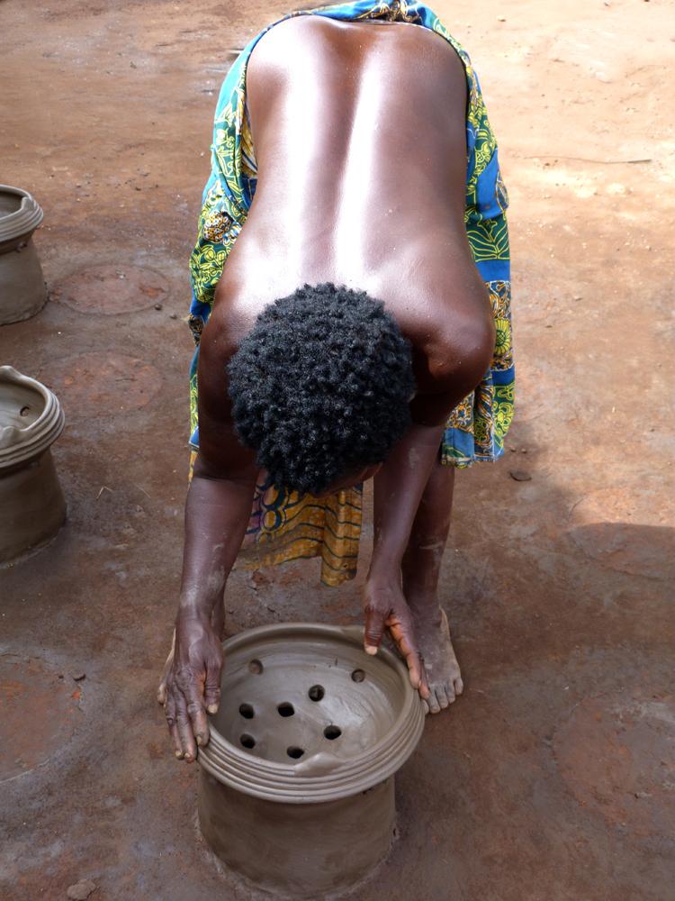Courbée pour créer 2, Djakotomey, Bénin 2013